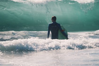 LA WAVE SURF. SURFHOUSE SOMO Y LOREDO