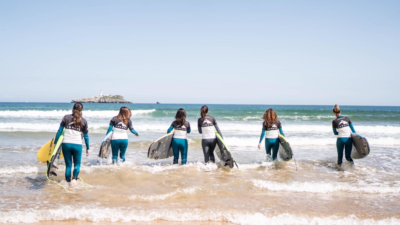 SURF EN FEMENINO SOMO